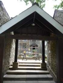 Llanunwas holiday cottages entrance